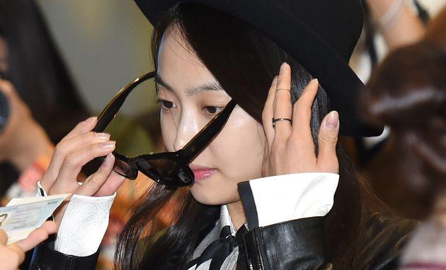 지난 '2015 제주 K-POP 페스티벌'에 참석하기 위해 제주 공항으로 향하는 에프엑스의