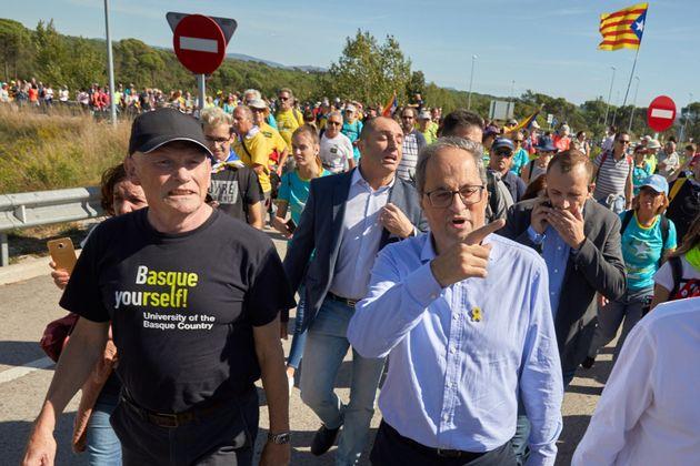 El presidente catalán, Quim Torra, junto al expresidente vasco Juan José Ibarretxe en la marcha independentista...