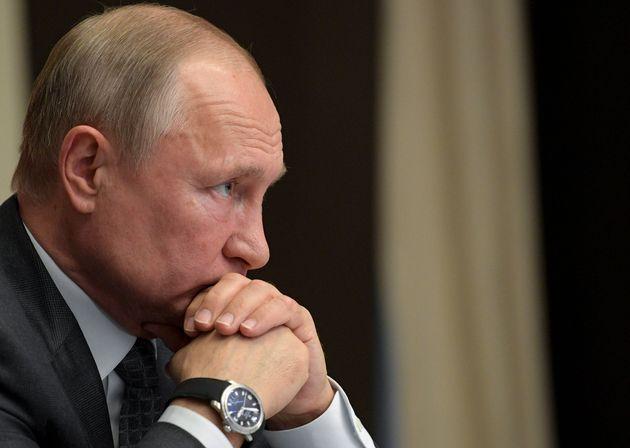 Au Moyen-Orient, à la suite du désengagement progressif des Américains, la Russie...