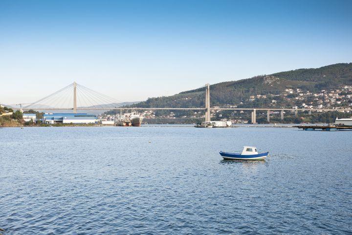 El puente de Rande sobre la ría de Vigo.