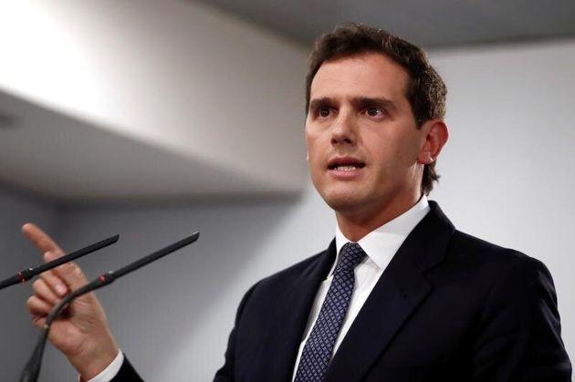 El líder de Ciudadanos, AlbertRivera, durante la rueda de prensa que ha ofrecido al terminar su reunión...