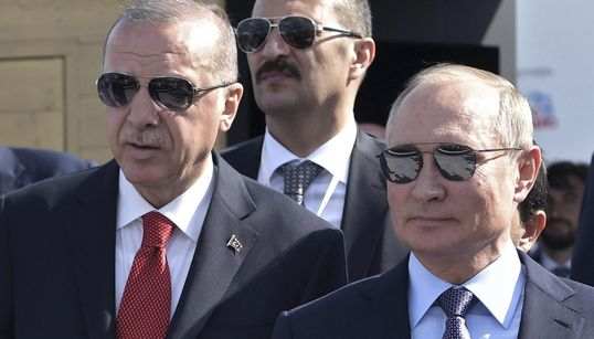 """ERDOGAN NON SI FERMA - L'unica condizione è la resa curda. """"Presto"""" l'incontro con Putin. Mentre le milizie di Assad arrivano..."""