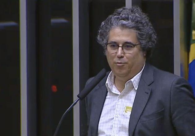 Daniel Peres coletou 1,6 milhão de assinaturas em apoio às universidades