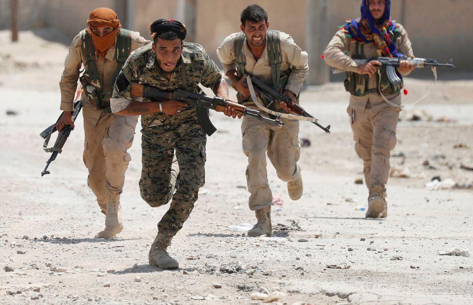 Κούρδοι μαχητές μέλη του