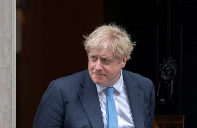 Pourquoi l'accord signé à Bruxelles ne signifie pas la fin du feuilleton Brexit (ici Boris...