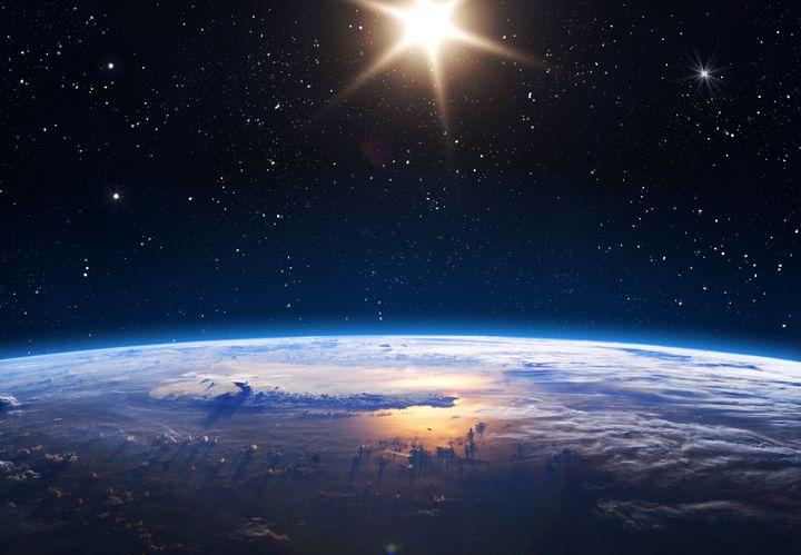 Nous, qui grandissons, vieillissons, vivons aujourd'hui, quel monde allons-nous transmettre à nos enfants? À nos petits-enfants? À ceux qui vont naître dans 100, 200, 1000 ans? N'avons-nous pas le devoir de leur léguer une planète habitable?