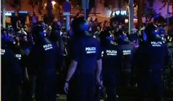 Los Mossos vigilan la manifestación de extrema derecha en