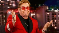 'Um rival a menos': Elton John conta que já deixou Stevie Wonder pilotar sozinho seu