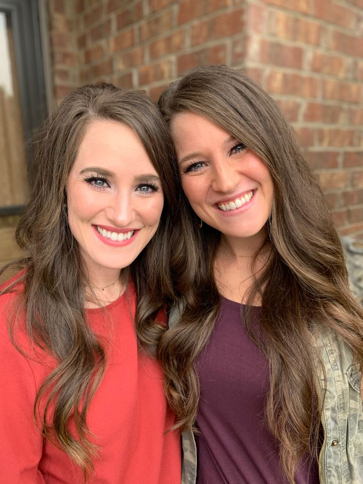 Laura McIntyre (left) with twin sister Caty Nixon.