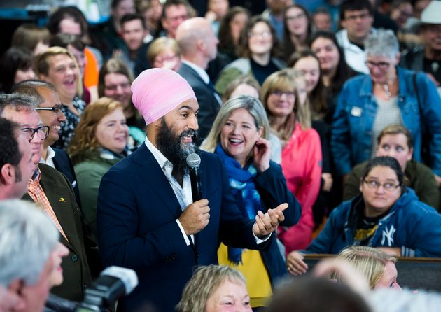 NDP Leader Jagmeet Singh and Ontario NDP Leader Andrea Horwath speaks to supporters at the Blue Star...