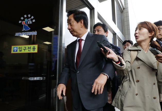'딸 KT 채용청탁' 혐의를 받고 있는 김성태 자유한국당 의원이 18일 오전 서울 양천구 남부지법에서 열린 3차 공판에 출석하고