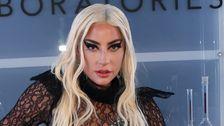 Lady Gaga Tertawa Lepas Menakutkan Tahap Jatuh Dengan Kipas Angin