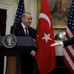 Γιατί από τη συμφωνία Τουρκίας-ΗΠΑ για κατάπαυση πυρός στη Συρία κερδισμένος βγαίνει ο