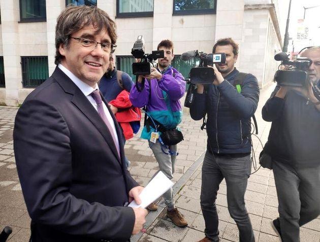 Carles Puigdemont, esta mañana, tras salir de declarar en