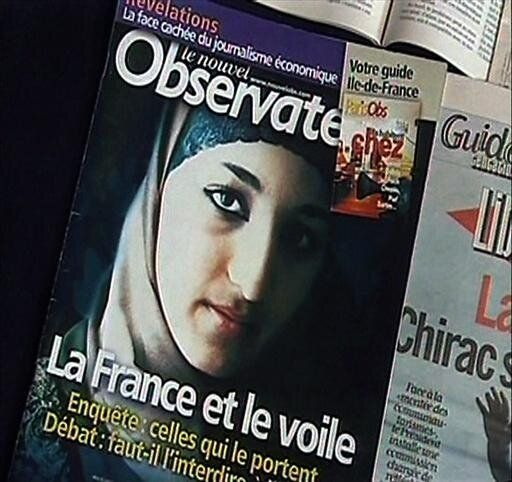 Le Nouvel Observateur news magazine cover with banner reading