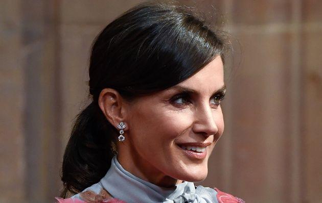La reina Letizia, en las audiencias con los ganadores de los Princesa de Asturias en el Hotel Reconquista...