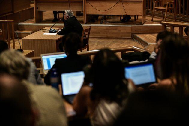 Δίκη της Χρυσής Αυγής: Έντονο φραστικό επεισόδιο ανάμεσα στους συνηγόρους