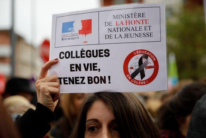 Des professeurs et directeurs d'école manifestentà Bobigny à la suite du suicide de Christine Renon, le 3 octobre 2019.