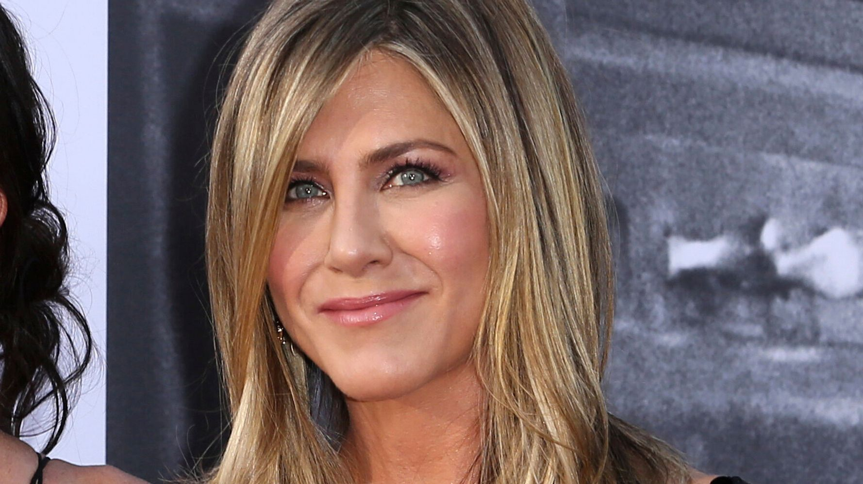 Westlake Legal Group 5da9b895210000a615ad3333 Jennifer Aniston Continues To Kill It On Instagram With First Adorable Throwback Snap