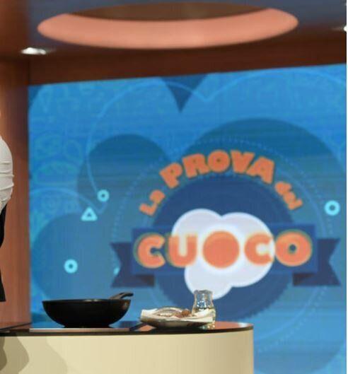Salerno, sentenze pilotate: tra gli arrestati anche l'autore tv Casimiro Lieto