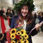 Paola Taverna si laurea a 50 anni. L'annuncio su Instagram: