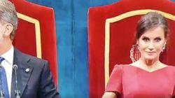 El comentado gesto de la reina Letizia mirando a cámara en los Princesa de