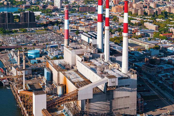 The Ravenswood Generating Station, which looms over Queensbridge Park, contributes to lower air quality near a massive public