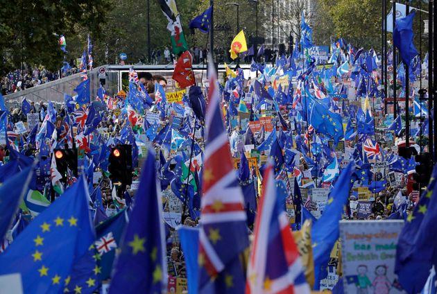 Βρετανία: Η Βουλή υπερψήφισε μια νέα παράταση στο