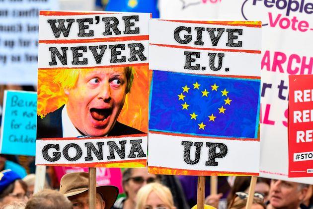 Βρετανία: Η Βουλή αποφάσισε νέα παράταση στο