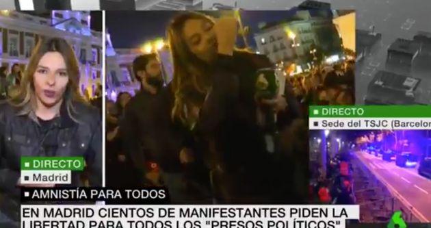 Escupen a una periodista en la Puerta del Sol de