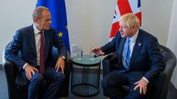 Johnson solicita por carta la prórroga del Brexit, pero no la