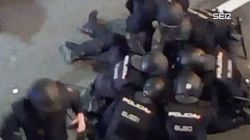 Así sacaron los policías a su compañero herido grave en los disturbios del