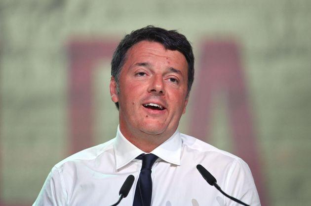"""Matteo Renzi alla Leopolda: """"Legislatura fino al 2023, chi vuole può scendere prima dal treno"""""""