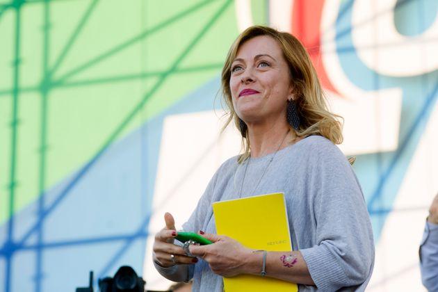 """Giorgia Meloni: """"Chi va con Renzi è irresponsabile. Sal"""
