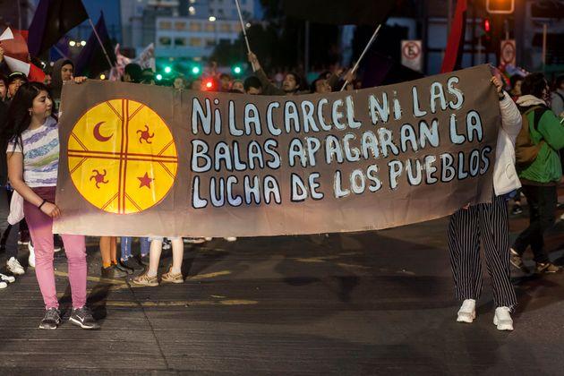 Des manifestants à Osorno au Chili le 19 octobre