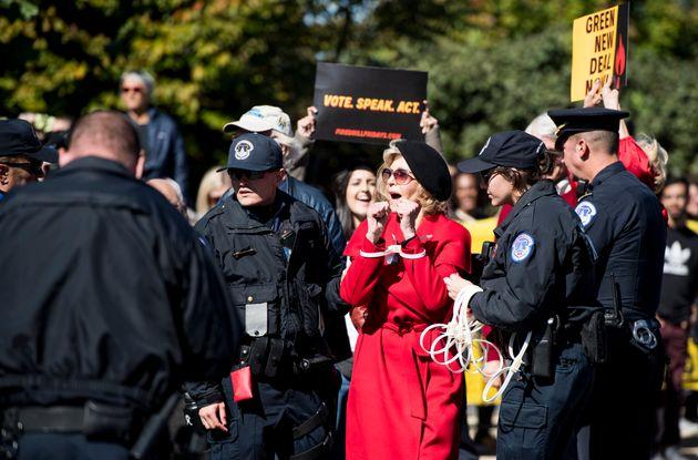 Jane Fonda arrestata per la seconda volta:
