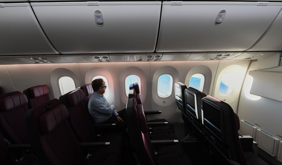 Q7879편 시험비행에 동행한 콴타스항공 CEO 앨런 조이스가 좌석에
