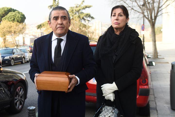 Jaime Martinez Bordiú y su hermana Carmen, durante el funeral de su madre, Carmen Franco, en Madrid, en 2017.
