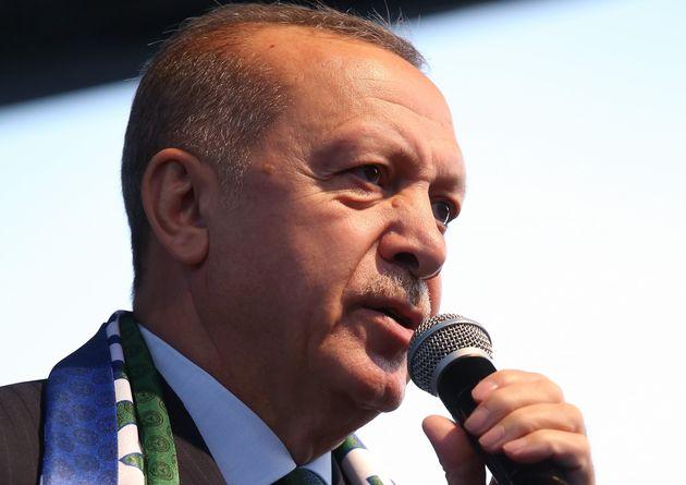 Ερντογάν: Οι χώρες της Δύσης τάσσονται στο πλευρό των τρομοκρατών εναντίον της