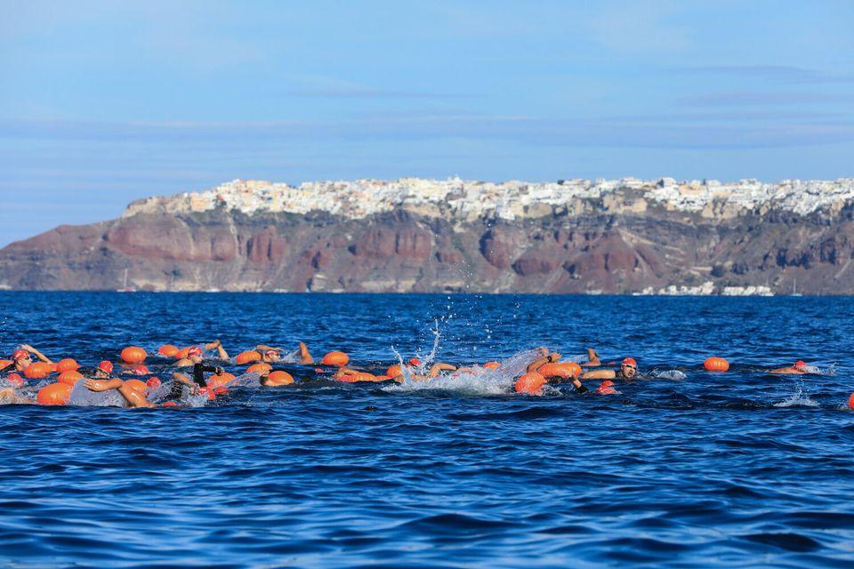 Κολύμβηση open water by Vikos από το Ηφαίστειο στο Santorini