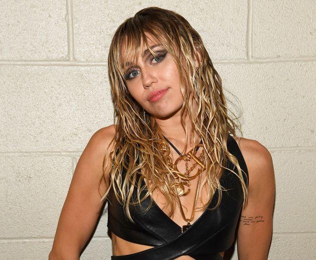 Pourquoi le message de Miley Cyrus sur son ex est maladroit pour les LGBT+