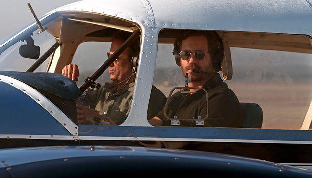 Edgar Ramírez como o piloto cubanoRené