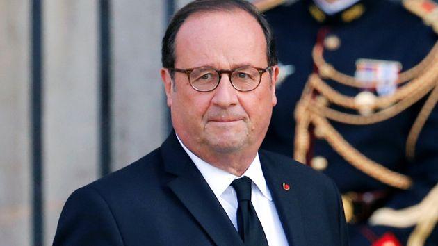 L'ancien président François Hollande, ici le 30 septembre aux obsèques de Jacques...