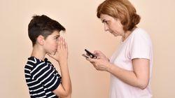 Non sbloccate quello smartphone: nelle chat di 1 ragazzo su 3 gira materiale