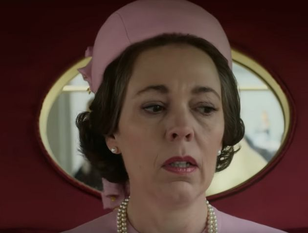 Η Ολίβια Κόλμαν ως βασίλισσα...