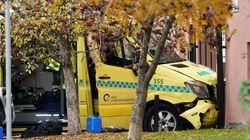 Όσλο: Ένοπλος έκλεψε ασθενοφόρο και έπεσε πάνω σε
