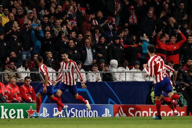 Morata celebra el gol al