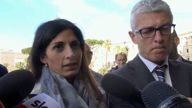 """M5s delusi dalla sentenza su Mafia Capitale. Per Raggi e Morra """"i dubbi restano"""""""