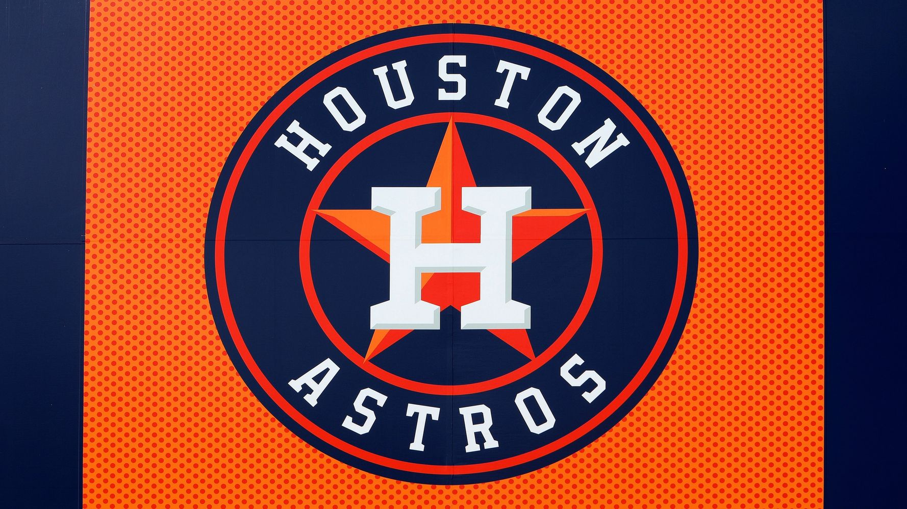 Westlake Legal Group 5daf6a3b2100008821ad399d MLB To Investigate Astros Staffer's Outburst At Female Reporters