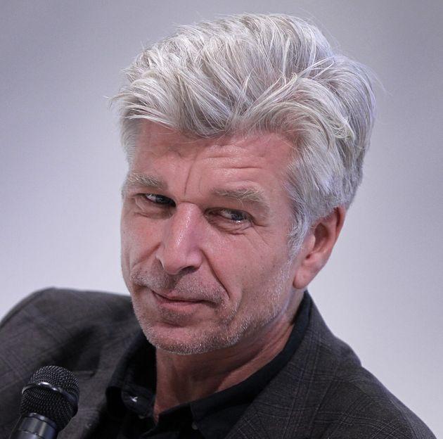 Karl Ove Knausgaard, ici lors du festival du libre à Francfort le 16 octobre, rejoint le projet...